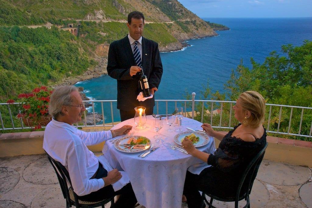 Posizione incantevole, struttura raffinata, ristorante fenomenale
