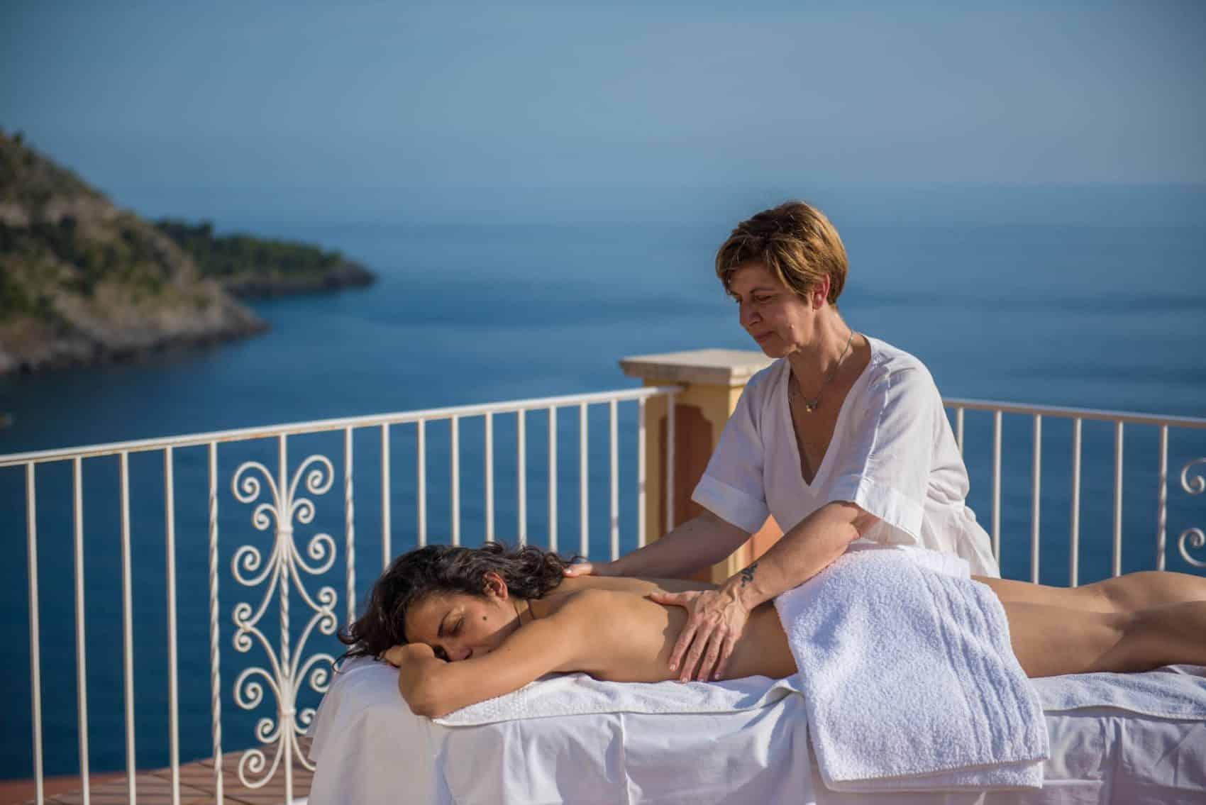Massaggio open air vista mare