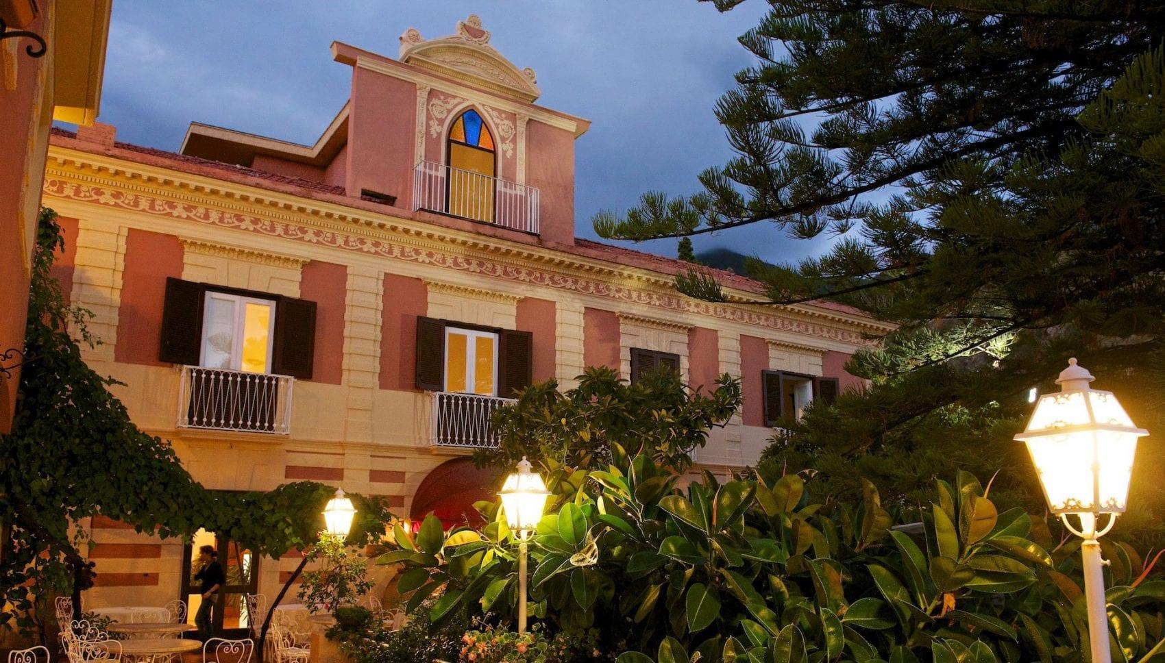 Maratea hotel Villa Cheta di sera
