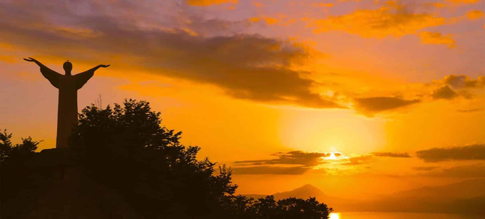 cristo redentore maratea al tramonto
