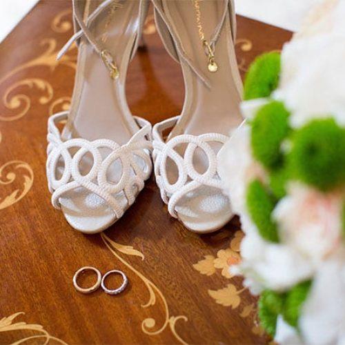 Scarpe di un matrimonio